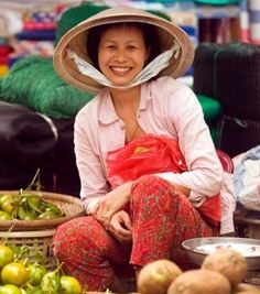 Google Image Result for http://a2.cdn-hotels.com/images/themedcontent/ja_JP/Ho_Chi_Minh_City_Shopping.jpg