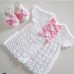 Diy Crafts - heat,Making-Round robe vest making / tig heat vest making / tig heat baby vest making . Easy Sweater Knitting Patterns, Crochet Vest Pattern, Knitting Blogs, Baby Knitting, Crochet Baby, Knitted Baby Clothes, Knitted Baby Blankets, Motif Bikini Crochet, Pull Bebe