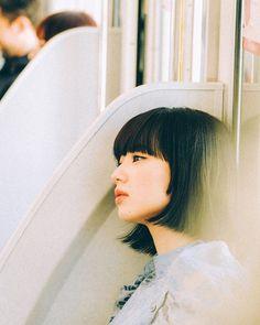 Creative Portrait Photography, Creative Portraits, Film Photography, Foto Portrait, Female Portrait, Shortish Hair, Komatsu Nana, Japanese Photography, Beauty Photos