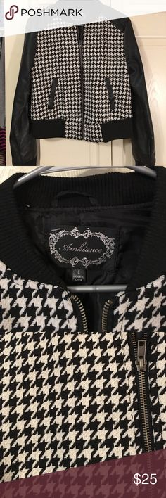 houndstooth jacket! This jacket is super cute! It's a kids large but I wore it as a ADULT SMALL lol! 💕 Either way it would work! In new conditions, Was gently used💕 Needs a new home! Bundle and save, Offers Welcome!💕😊 Jackets & Coats