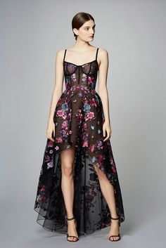 See the complete Marchesa Notte Pre-Fall 2017 collection .: - See the complete Marchesa Notte Pre-Fall 2017 collection.: See the complete Marchesa Notte Pre-Fall 2017 collection . Fashion 2017, High Fashion, Fashion Show, Fashion Outfits, Ladies Fashion, French Fashion, Dress Fashion, Casual Outfits, Womens Fashion