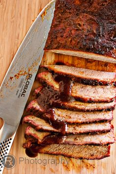 Get Ready for the Best Texas Brisket Recipe Online! Are you ready for the seriously awesome Butcher Paper BBQ Brisket Method? Big Green Egg Grill, Big Green Egg Brisket, Green Eggs And Ham, Barbacoa, Carnitas, Chorizo, Green Egg Recipes, Smoked Brisket, Bbq Brisket