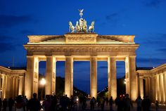 A list of the top 5 must see places in Berlin, Germany. The first is the Brandenburg Gate—Germany's symbol of peace and reunification. Stuff To Do, Things To Do, How To Memorize Things, Brandenburg Gate, Photo Walk, City Architecture, Berlin Germany, World Traveler, Vienna
