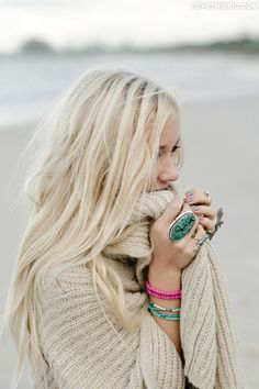 Nothing better than a blonde in a comfy sweater. :) Aloxxi Hair Color Personality Sparkling Prosecco® | blonde hair | hair color | hair style | beach | ocean | hair inspiration | beach waves