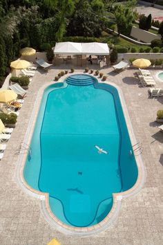 Conrad Istanbul swimming pool