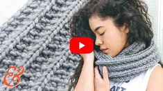 INFINITY SCARF Pattern for BEGINNERS (step-by-step tutorial) Baby Knitting Patterns, Loom Knitting, Knitting Designs, Hand Knitting, Stitch Patterns, Tricot Baby, Most Popular Videos, Lace Scarf, Baby Sweaters