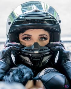 Kylo Ren Motorcycle Helmets Photo: @badbugi