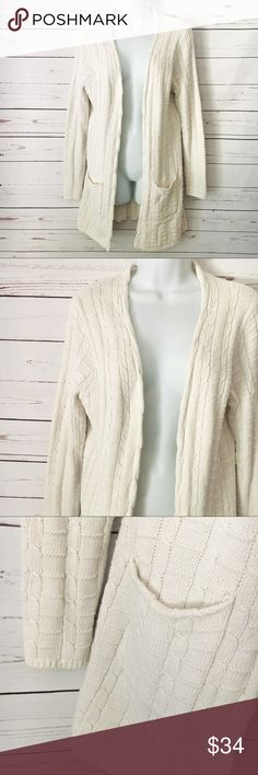 Chunky Knit Open Cardigan Amazingly comfy EUC Cardigan. Open concept. Flowy, but flattering. Perfect for layering! Sweaters Cardigans