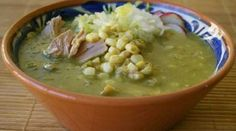 Green Pozole, Charro Beans, Mexican Food Recipes, Ethnic Recipes, Tamales, Empanadas, Cheeseburger Chowder, Cooking Recipes, Dishes