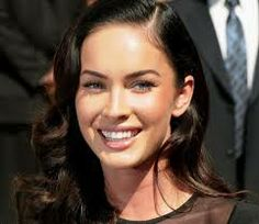 Megan Fox-Hottest Mothers In Hollywood Beauty Make Up, Hair Beauty, Megan Fox Hot, Bridesmaid Makeup, Oval Faces, Brunette Beauty, Celebrity Beauty, Celebs, Celebrities