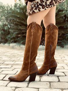 Stivali texani donna alti in camoscio neri made in italy kikkiline beige stivali con tacco