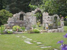 Burgruine - Sitzplatz am Teich - Ruine