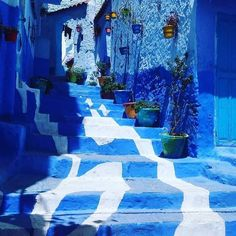 How many of you have been to Morocco? What was your favorite part?? #wellness #earth #onelove #eatclean #travel #meditate #meditation #mentalhealth #getfit #justdoit #yogi #traveling #gypsy #gypsysoul #wander #wanderlust #explore #adventure #retreat #boho #ocean #beach #beachbum #onelove #peace #giveback #seetheworld #freedom #yoga