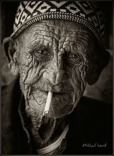 Love old faces. Old Faces, Many Faces, Foto Portrait, Portrait Photography, Old Man Portrait, Black And White Portraits, Black And White Photography, Interesting Faces, Old Men