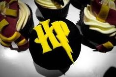 Harry potter logo cupcake Harry Potter Cupcake Toppers, Harry Potter Cupcakes, What To Cook, Party Time, Cupcake Cakes, Desserts, What's Cooking, Food, Google Search