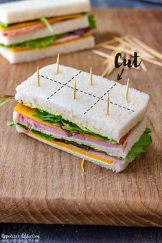 Snacks Für Party, Appetizers For Party, Mini Sandwich Appetizers, Mini Party Foods, Party Food Ideas, Party Food For Adults, Sandwich Platter, Comida Picnic, Tea Party Sandwiches