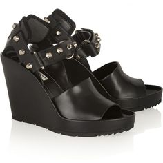 Balenciaga Studded leather wedge sandals (3.105 BRL) ❤ liked on Polyvore featuring shoes, sandals, balenciaga, high heel wedge sandals, leather wedge sandals, ankle strap wedge sandals, black wedge sandals and strappy sandals