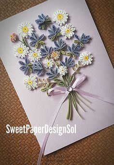 Lavender and Daisy flower bouq - Quilling Art Awesome Paper Quilling Flowers, Paper Quilling Cards, Neli Quilling, Paper Quilling Patterns, Quilled Paper Art, Quilling Paper Craft, Paper Crafts, Quilling Flowers Tutorial, Quilling Birthday Cards