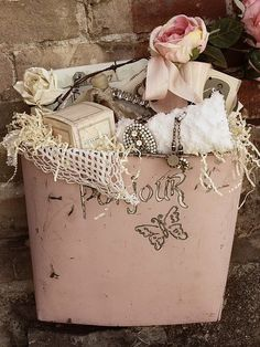 Gift basket for your Chic friend