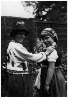 1950 Roger & Rosemary dressing up