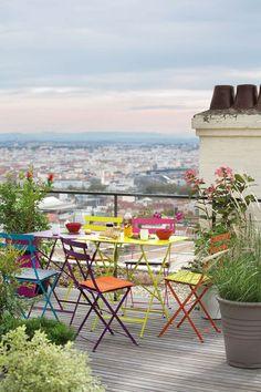 Les couleurs sont au rendez-vous sur la terrasse - Jardin, terrasse, balcon : le meilleur en 20 photos - CôtéMaison.fr