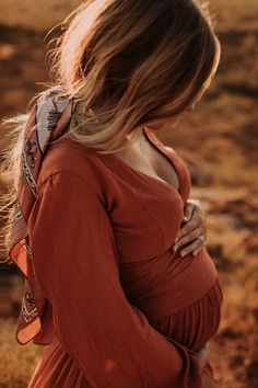 Fall Maternity Pictures, Maternity Photo Outfits, Outdoor Maternity Photos, Maternity Fashion, Maternity Photography Poses, Maternity Poses, Pregnancy Photos, Baby Photos, Mother Baby Photography