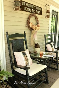 Far Above Rubies: Vintage, Southern front porch and a feature...//the colors and pattern on the pillows