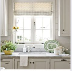 Country kitchen decorating ideas - country designs, comfort and easy living Kitchen Decorating, Cottage Kitchen Decor, Kitchen Redo, New Kitchen, Kitchen Ideas, Decorating Ideas, Cottage Kitchen Backsplash, Cape Cod Kitchen, Decor Ideas