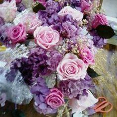 rosa, lilás e roxo  vários tons de flores naturais preservadas