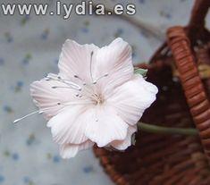 Foro de Manualidades Lydia :: Ver tema - Tutorial cesta de mimbre decorada con flores de porcelana
