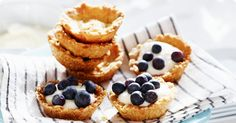 Cute little blueberry tartelets Blueberry, Waffles, Cheesecake, Muffin, Breakfast, Desserts, Food, Frases, Morning Coffee