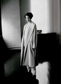 shalom harlow wearing max mara by dewey nicks, 1994