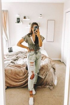 61 Trendy autumn outfits for school make you fashionable - 61 trendy fall outfits for school make you fashionable, Outfits - Fall Outfits For School, Trendy Summer Outfits, Cute Casual Outfits, Autumn Outfits, Fashionable Outfits, College Outfits, School Wear, Casual Summer, Simple Outfits
