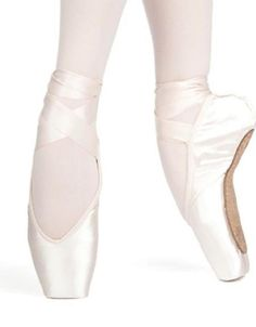 ddf54d449e58 Russian Pointe Sapfir V Vamp Pointe Shoe  RussianPointe Buy Shoes