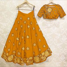 Indian Fashion Trends, Indian Ethnic Wear, Saree, Summer Dresses, How To Wear, Clothes, Maids, Sari, Outfit