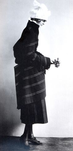 eduard josef wimmer-wisgrill dress, madame d'ora, c1920