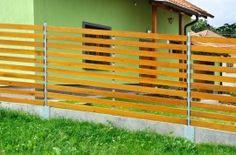 Plot železné zinkované stĺpiky, drevené dielce Outdoor Structures, Wood, Woodwind Instrument, Timber Wood, Trees
