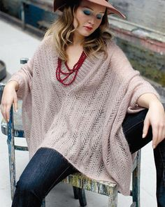 Ponchos are always going in and out of fashion. Wouldn't it be nice to have a poncho that looks good no matter what the season? This Turtleneck Knit Poncho is one such poncho. Poncho Shawl, Knitted Poncho, Poncho Sweater, Knitted Shawls, Crochet Shawl, Knit Crochet, Crochet Vests, Crochet Cape, Easy Crochet