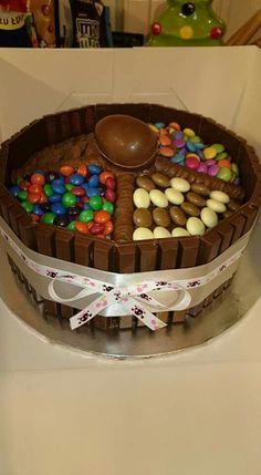 Kinder kitkat cake