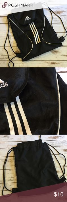 Adidas drawstring Backpack Preowned adidas drawstring backpack. It has a bit of pilling as shown in pic. Super clean from inside. PRICE FIRM - BUNDLE AND SAVE! Adidas Bags Backpacks