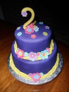 Tangled Cake Ideas | Photo: Rapunzel Tangled Cake~ Cupcake Craze