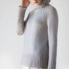 Knitting | Knitting project | Moda | Girl | Pullover | Pullover Sweater | Pullover stricken | Pullover outfit | Pullover nähen | Pullover stricken anleitung | Stricken | Stricken deutsch | Stricken anleitungen | Sweaters | Sweater dress | Sweater outfits | Sweater for fall | Sweater weather | Grey | Серость | Серый свитер