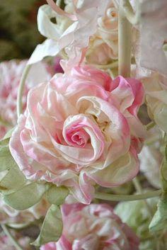 Living Beautifully-ribbon rose