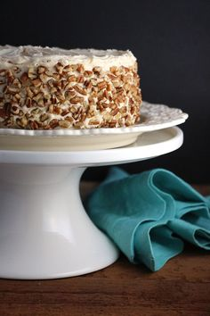 Apple Cake with Maple Buttercream and Pecan Trim. For special occasions. Apple Cake Recipes, Apple Desserts, Just Desserts, Baking Recipes, Delicious Desserts, Dessert Recipes, Maple Buttercream, Buttercream Frosting, Specialty Cakes
