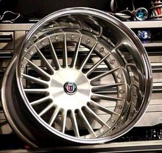 ❤ Alpina! These would look beautiful on my 635CSi...