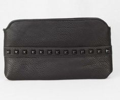 Perfect wristlet for a night out. www.mooreaseal.com