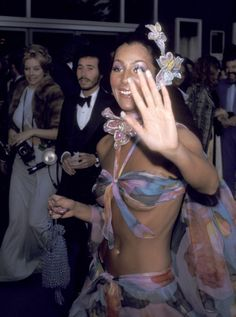 11 Iconic Oscars Photos You've Definitely Never Seen Before via @WhoWhatWear - red carpet