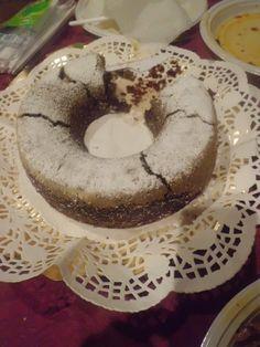 Ciambella al cacao vegana con latte di mandorle  /  Cocoa bundt (vegan)  with almond milk