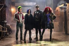 The latest image from DC Universe's live-action Titans TV series offers the first look at Robin, Starfire, Beast Boy and Raven together. Beast Boy, Dc Universe, Teen Titans Go, Jason Todd, Batwoman, Nightwing, Entertainment Weekly, Live Action, Gotham