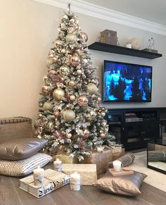 This is my tree from last year . today I will be decorating the same tree with burgundy and gold ornaments. I'm excited and a little… Rose Gold Christmas Decorations, Pink Christmas Tree, Christmas Tree Themes, Outdoor Christmas, Christmas Tree Ornaments, Christmas Time, Holiday Decor, Christmas Tables, Beautiful Christmas Trees